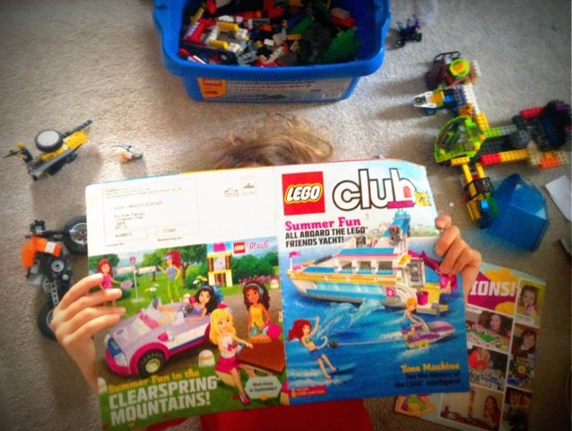 Lego Club Magazine COPYRIGHT GTheohari_Speak MEdia